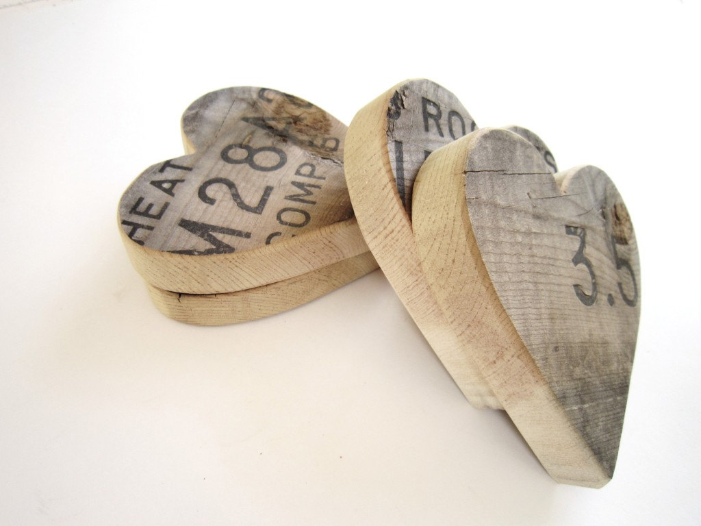 Fathers Day Gifts Wooden Heart Set Of 3 Recycled Reclaimed Wood Ammo Box Wooden Heart Home Decor Rustic Wedding Decor Wedding Favors